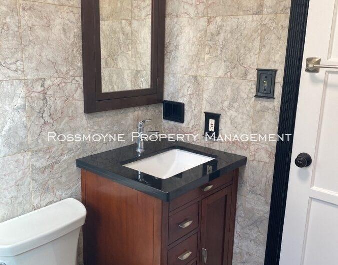 1939 N. Hollywood Way - B Burbank, CA 91505 Bathroom
