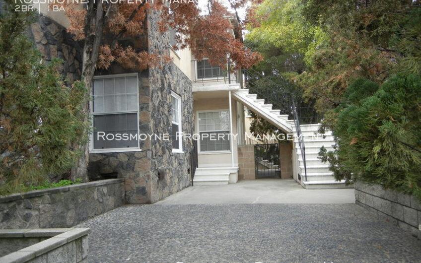 1939 N. Hollywood Way - B Burbank, CA 91505 Entrance